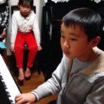 頑張る生徒ちゃん達★大好きな曲弾いています!(^o^)丿