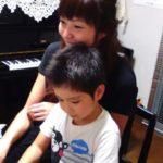 家族が一番!!ピアノ連弾♪楽しんでいます(^o^)丿