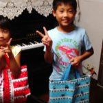 仲良し兄妹☆お祖母ちゃまのお手製バッグでピアノに通ってます(^o^)丿