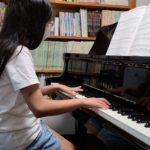 生徒ちゃん、ピアノがんばっています(^^)v